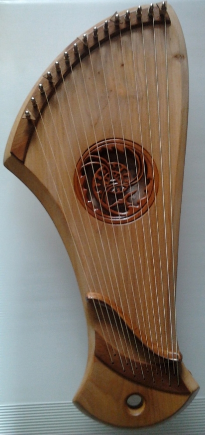 Medium Kantele Wild Cherry